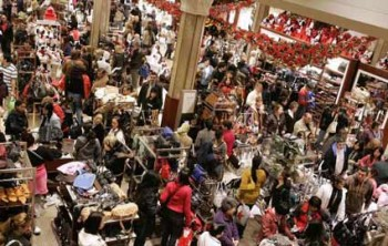 shopper_crowd