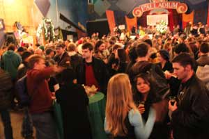 Winter_Beer_fest_crowd