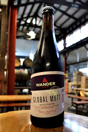 Wander_brewing_mutt_bottle